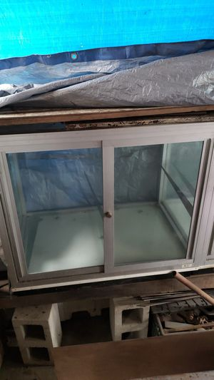 Glass display case for Sale in Los Angeles, CA