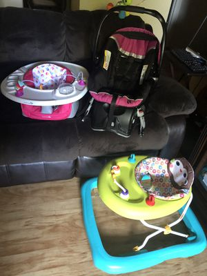 Baby car seat ect for Sale in Vacaville, CA