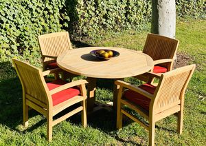Like New!! Teak Table w 4 arm chairs/ patio / outdoor / umbrella hole/ home & garden / furniture/ optional cushions for Sale in Chula Vista, CA