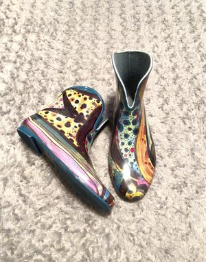 Women's vintage artsy modern rain boots size 7. The rain boots are in amazing condition. for Sale in Washington, DC
