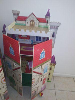 FREE Castillo de juguete como nuevo for Sale in Miami Lakes, FL