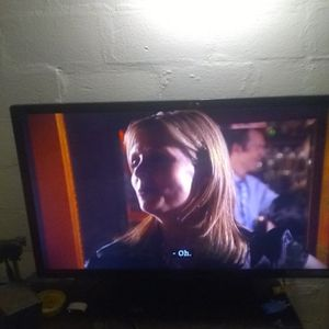 55 Inch Emerson Tv for Sale in Lakeland, FL