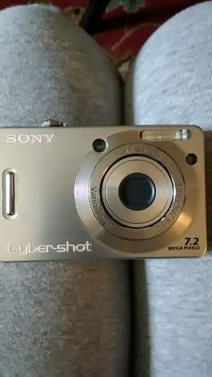 Sony cybershot camera for Sale in Philadelphia, PA