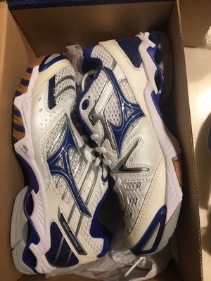 Mizuno volleyball court shoes for Sale in Arlington, TX