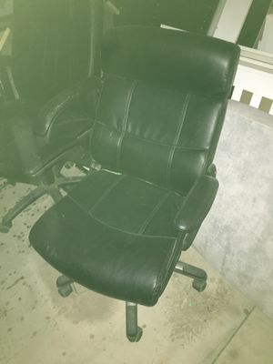 Office Chair on wheels for Sale in Fountain, CO
