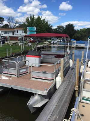 Pontoon boat for Sale in Wood Dale, IL