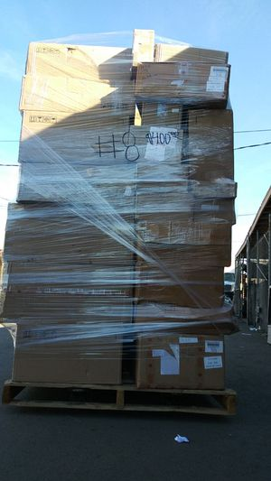 #8 Pallet with domestic auto/truck parts for Sale in Montclair, CA