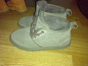 fresh uggs size 9 pick up only for Sale in Baltimore, MD