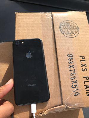 iPhone 8 64gb for Sale in Kennewick, WA