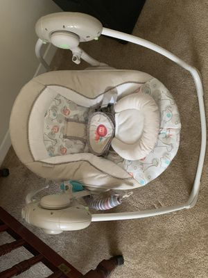 Baby portable swing for Sale in Newport News, VA