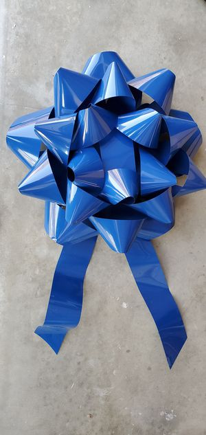 """28"""" door hanger Bow ( set of 2) color blue for Sale in Palmdale, CA"""