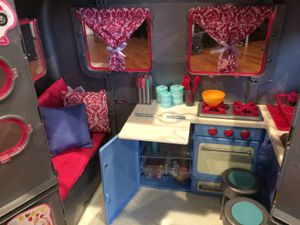TOY RV CAMPER girls kids with Accessories NEW for Sale in Los Angeles, CA