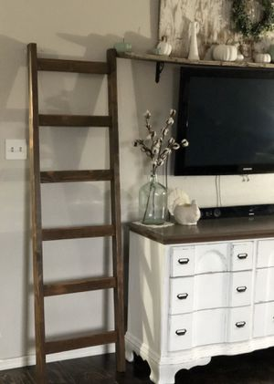 New- Gorgeous 6ft farmhouse blanket ladder for Sale in Peoria, AZ