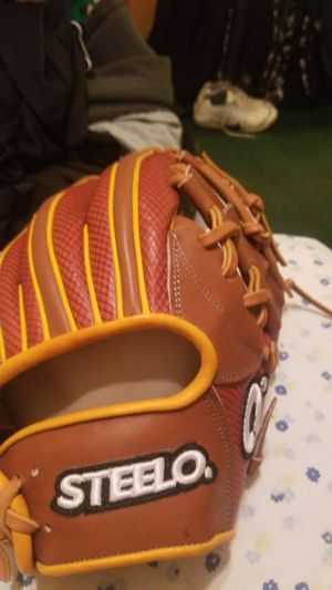 Steelo Baseball Glove for Sale in Parlier, CA