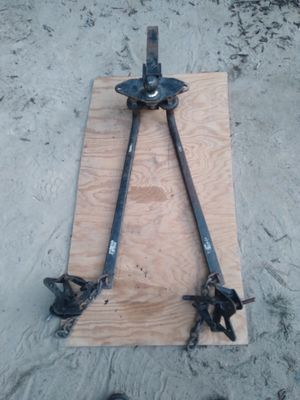 Trailer hitch stabilizer bar to stabilize your camper while pulling down the road for Sale in Brentwood, NC