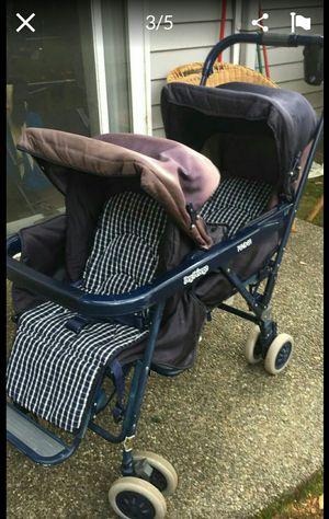 Double stroller for Sale in Bellevue, WA
