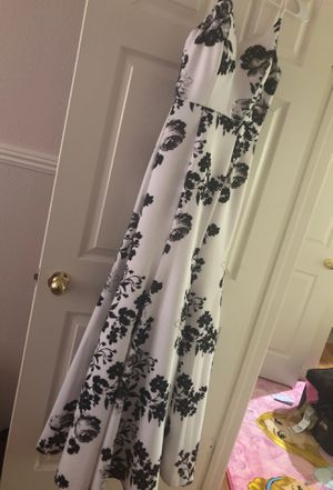 Black and white floral dress size 3/4 for Sale in Palmdale, CA
