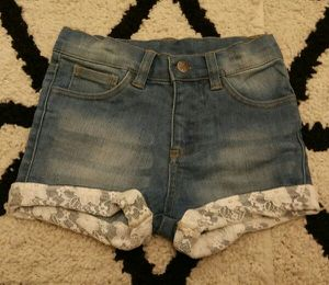 Girls Lace Trim Shorts Size 6 for Sale in Baltimore, MD