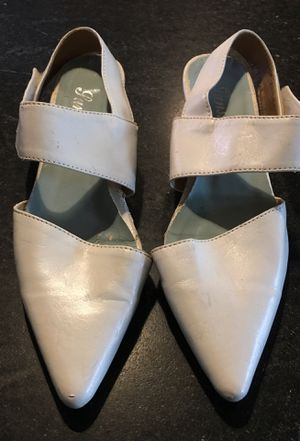 White Dress Shoes 1 inch heel size 6.5 for Sale in Madison, NJ