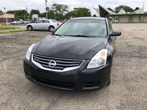 2010 Nissan Altima 2.5 black color runs great brand new brake brand new shocks 150 thousand mile highway mileage Brand new tires for Sale in Warren, MI