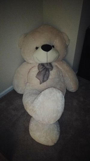 Giant teddy bear (6ft) for Sale in Chesapeake, VA