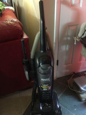 Eureka vacuum for Sale in Avon Park, FL