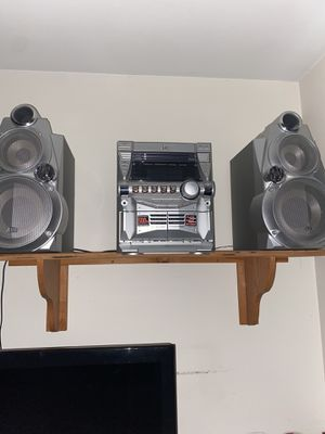 Stereo with speakers for Sale in Savannah, GA