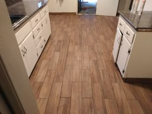 Laminate vinyl planks and tile for Sale in Selma, CA