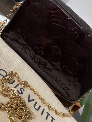 Louis Vuitton Vernis Camera bag in Amarante for Sale in Phoenix, AZ