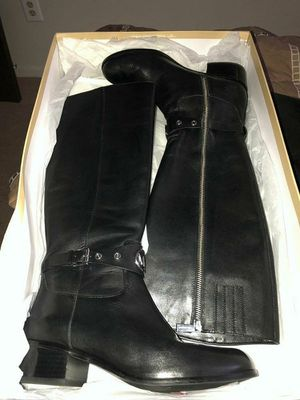 Michael Kors Boots Size 8 for Sale in Windsor, ON