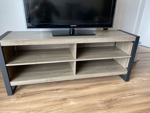 """TV Stand for TVs up to 65"""" for Sale in Washington, DC"""