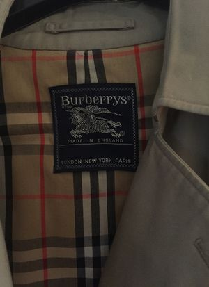 Burberry tranche coat jacket size medium for Sale in Sterling, VA