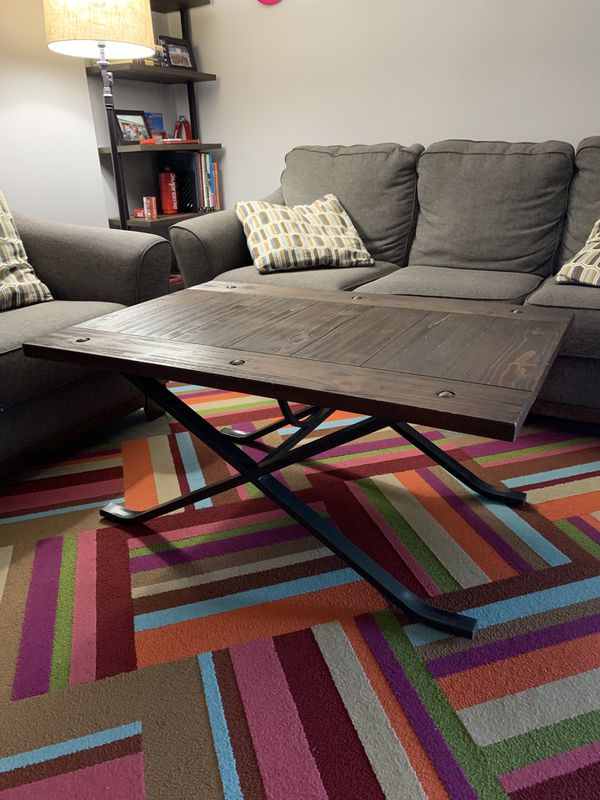Modern Coffee table + two end table combo!! (VERY GOOD QUALITY)