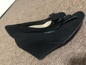 Size 7 black heels with bow for Sale in Goodyear, AZ