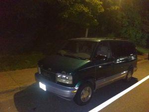 GMC Safari 7-passenger all wheel drive for Sale in Silver Spring, MD