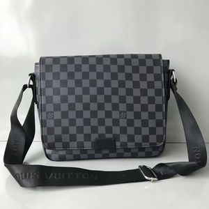 Louis Vuitton Messenger Bag for Sale in Miami, FL