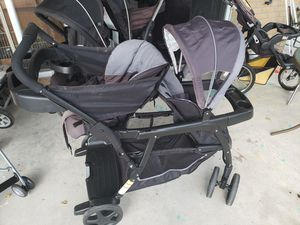 Double stroller w/ removable infant seat for Sale in Auburndale, FL