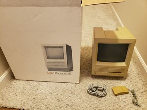 Vintage Macintosh SE Apple computer M5011 for Sale in Everett, WA