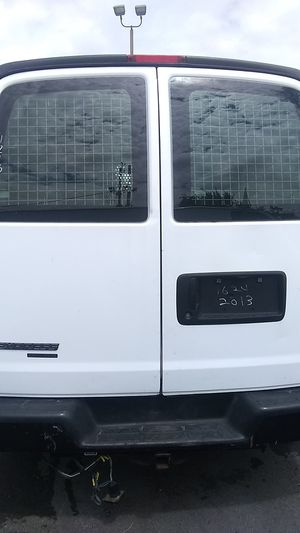Chevy express 2013 for Sale in Miami, FL
