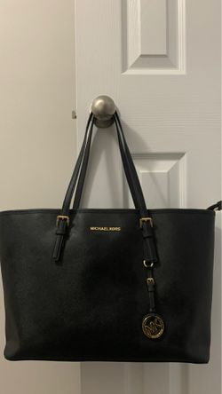Large Michael Kors leather tote for Sale in Nashville,  TN