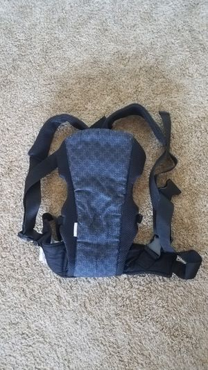 Baby carrier backpack sling with missing clip but can be tied great for Halloween trick or treating for Sale in Avondale, AZ
