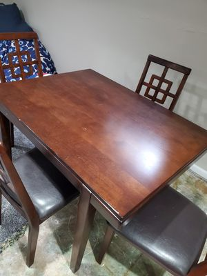 Dining table for Sale in Highland Park, IL