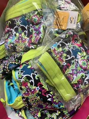 Brand new Athleta reversible swimsuit bottoms size large. Blowout. $2.50 x 63 pieces. Pick up in Jupiter for Sale in Jupiter, FL