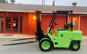 Clark Forklift pneumatic tires 6000lbs Cap 3 stage 8ft Forks Wow!!! for Sale in Corona, CA