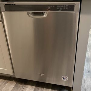 Whirlpool stainless steel dishwasher for Sale in Bondurant, IA