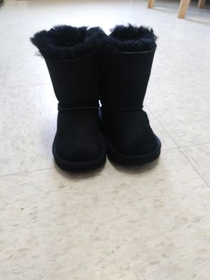 Uggs Toddler Girl Bailey BowII Boots for Sale in Brooklyn, NY