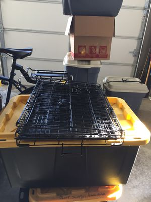Metal pet cage,2 doors 24Lx17Wx18H great condition and clean for Sale in Ridgefield, WA
