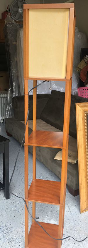 Tall lamp for Sale in Pembroke Pines, FL