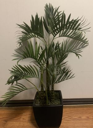 """20"""" faux palm tree in pot for Sale in San Diego, CA"""