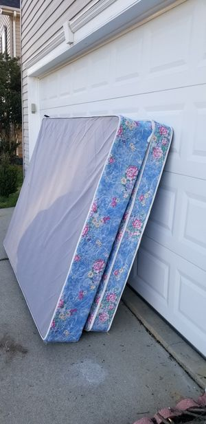 Free mattresses for pick up for Sale in Simpsonville, SC